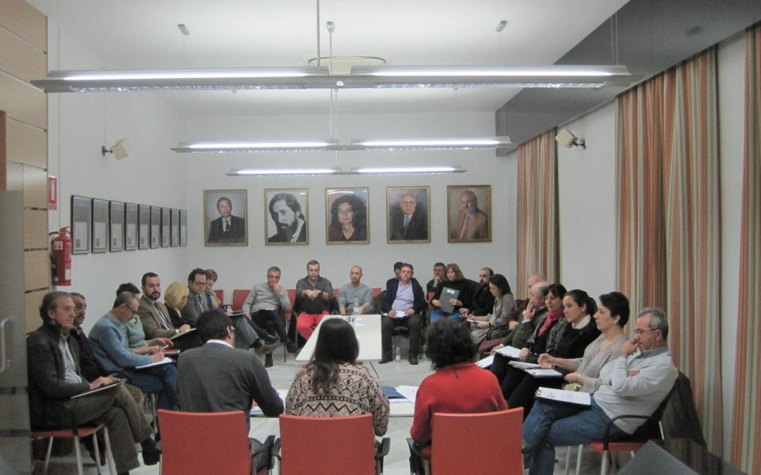 El Ayuntamiento invita a profesionales de la hostelería y al CES a debatir sobre la ordenanza reguladora de instalación de terrazas.
