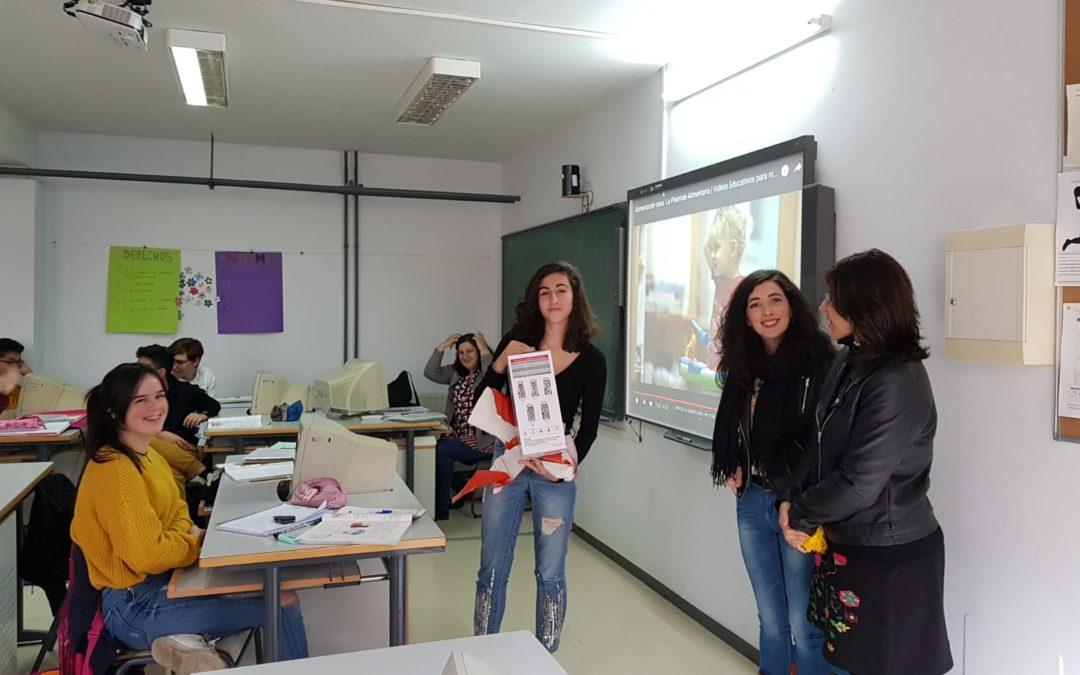 Marina Bravo Aceituno, ganadora del concurso de carteles contra la violencia de género.