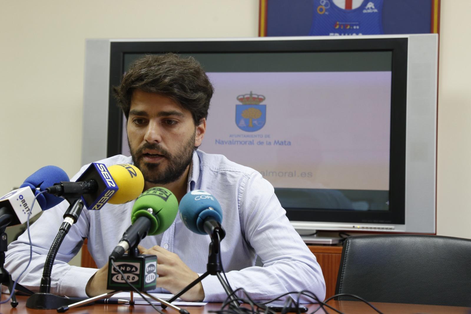 La Junta de Gobierno adjudica 5 contratos de suministros fundamentales para el funcionamiento del Ayuntamiento.