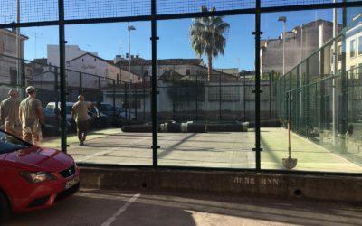 Se inician las obras de renovación del césped de las pistas de pádel del Centro Sociocultural la Inmaculada.