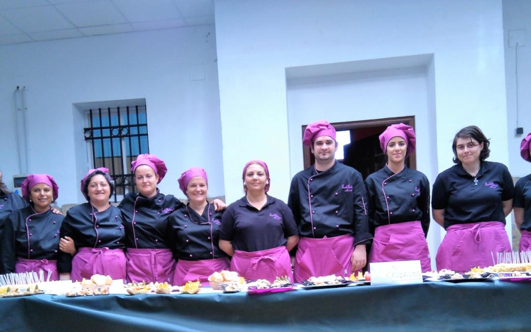 Abierto el plazo de inscripción en la Escuela Profesional, cursos de cocina y atención sociosanitaria a personas dependientes en instituciones sociales.