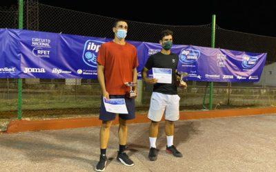Santiago Plaza gana un torneo nacional de tenis que ha contado con presencia de alguno de los mejores jugadores del ranking nacional e internacional.