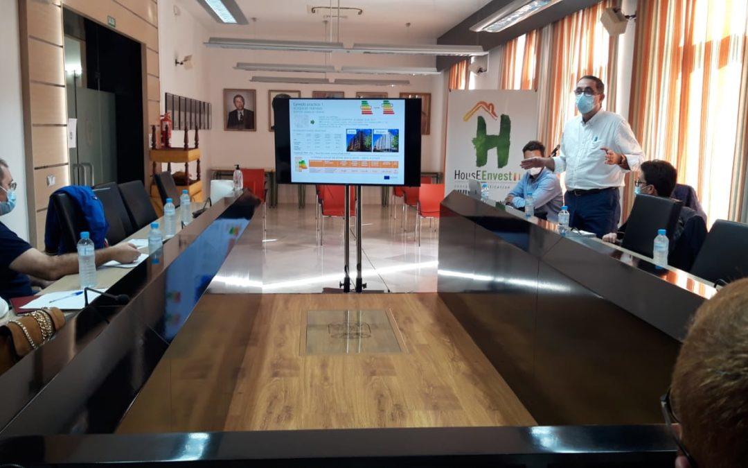 La Agencia Extremeña de la Energía presenta en Navalmoral el proyecto HousEEnvest.